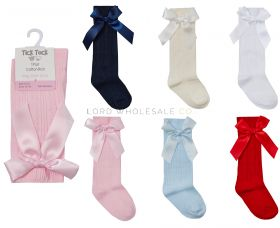 44B804 Younger Girls Knee Socks With Bow