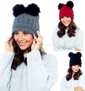 GL542 Ladies Hat With 2 Bobbles